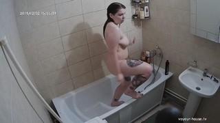 Trixie afternoon bath/shower feb 2
