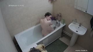 Leah afternoon bath mar 29