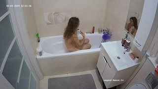 Anjelica's friend noon bath jan 4