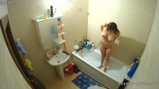 Lexy afternoon bath jun 4