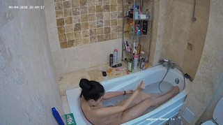 Anni evening bath sept 4
