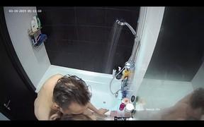 Juliet and friend hot morning bathroom fuck,Mar 14