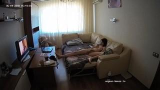 Lola morning bate & watch tv jun 4
