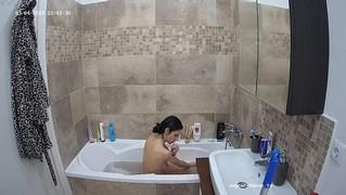 Amy evening bathe & shave mar 4