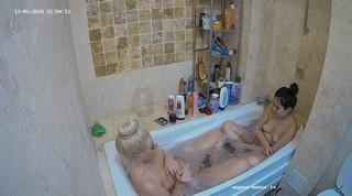 Ary anni evening bath nov 5