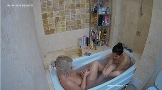 Ary anni late bath aug 30